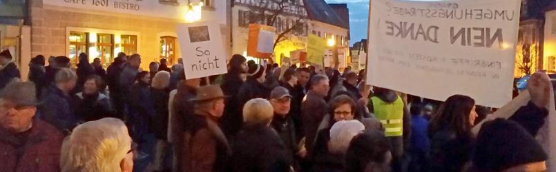 Demo Vor Dem Rathaus In Hilpoltstein