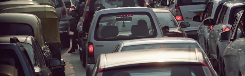 Studie: Feinstaub bei stockendem Verkehr gesundheitsgefährdend